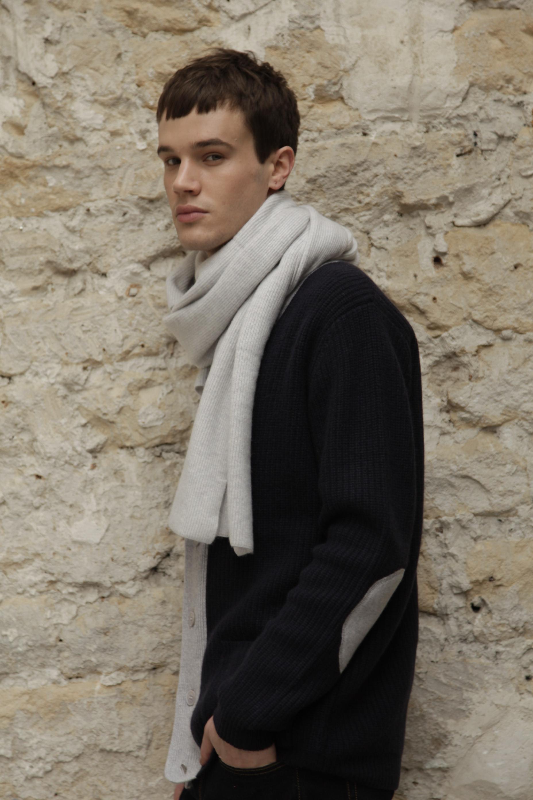 Montagut men's cashmere scarf
