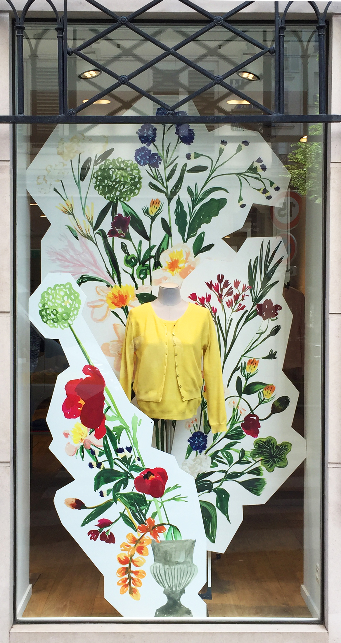 vitrine boutique Montagut fleurs Cassandre Montoriol