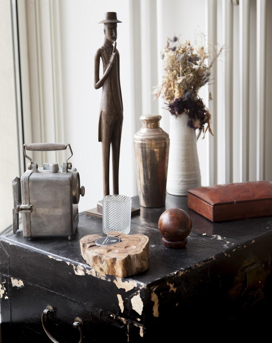 Bertrand Guillon period pieces flea markets